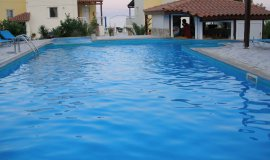Swimming pool   your stay will be fabulous